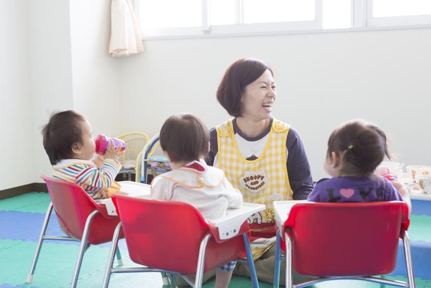 院内保育所には子どもたちの元気な声と笑顔があふれています。